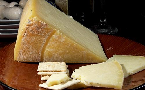 Твёрдый ланкаширский сыр