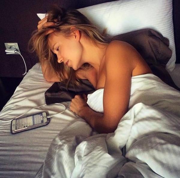 Звезды в кровати: Глюкоза в постели рано утром
