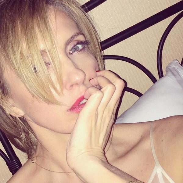 Звезды в кровати: Светлана Бондарчук даже в постели с макияжем